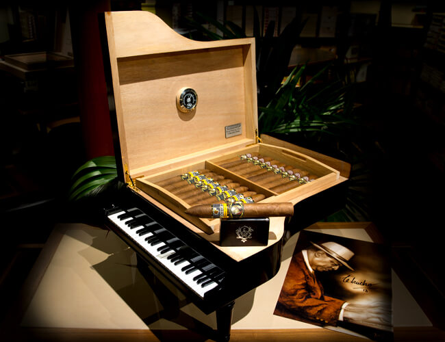 humidor-piano-pour-le-70-me-anniversaire-de-chucho-valdez-d-couvrir-au-shop-the-house-of-grauer-gen-ve-d-couvrir-au-shop-the-house-of-grauer-gen-ve-jpg