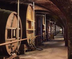 soir-e-d-gustation-de-chartreuses-et-tarragone-reine-des-liqueurs-depuis-1605-4-jpg